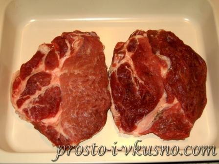 Мясо выкладываем в форму