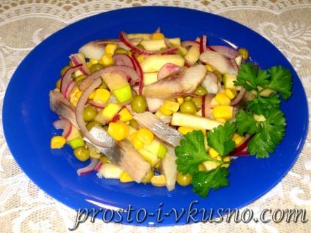 Салат из сельди с яблоком и луком