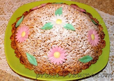 Тертый торт Муравейник с орехами