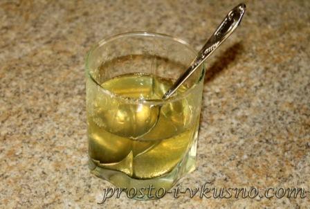 Разводим желатин теплой водой