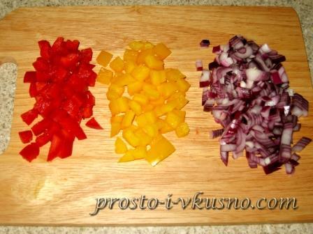 Мелко режем овощи