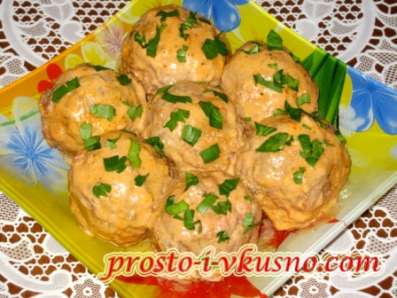 ежики мясные с рисом в сметанном соусе в духовке рецепт