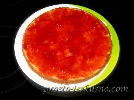 Намазываем джем на пирог