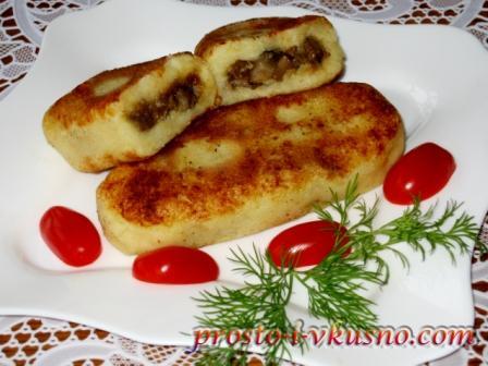 Готовые картофельные зразы с грибами