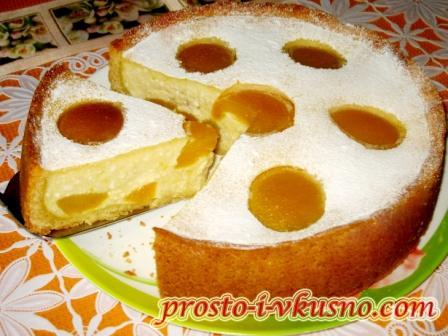 Творожный пирог с персиками с выпечкой