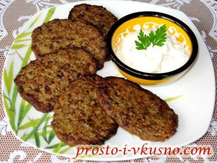oladi-iz-govyazhej-pecheni-s-kartofelem
