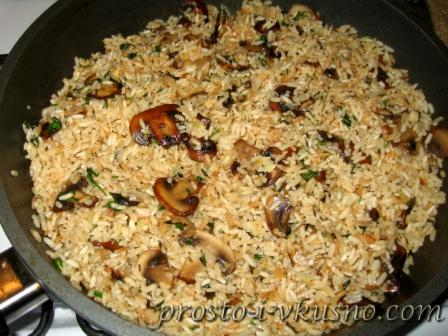 Соединяем грибы с рисом