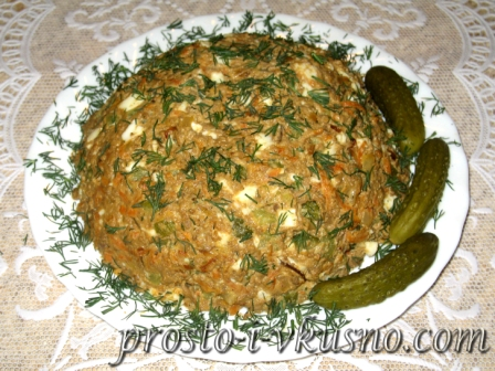 Салат с печенью и овощами