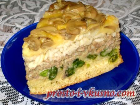Пирог-перевертыш с грибами, фаршем, сыром и рисом
