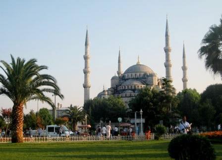 Голубая мечеть летом
