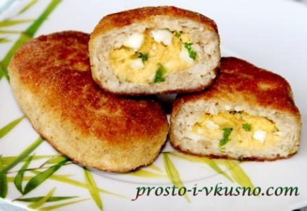 Куриные зразы с зеленым луком и яйцом