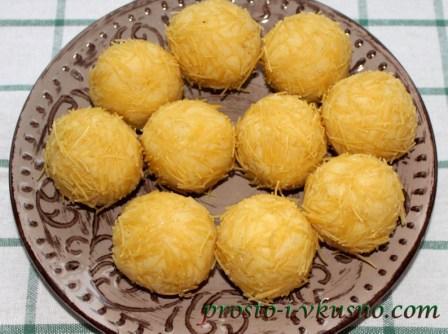 Панируем картофельные крокеты