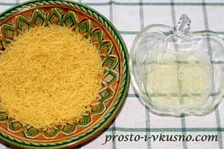 Вермишель и белок для панировки
