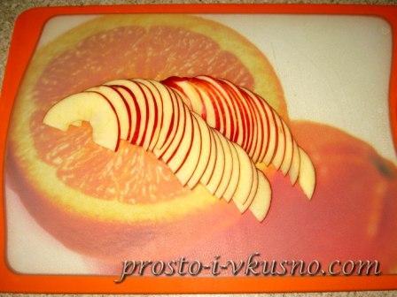 Тонко режем яблоки