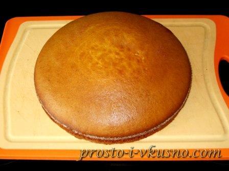 Выкладываем пирог на доску