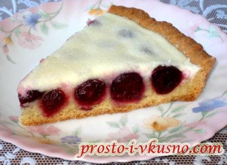 Вишневый пирог со сметанным кремом