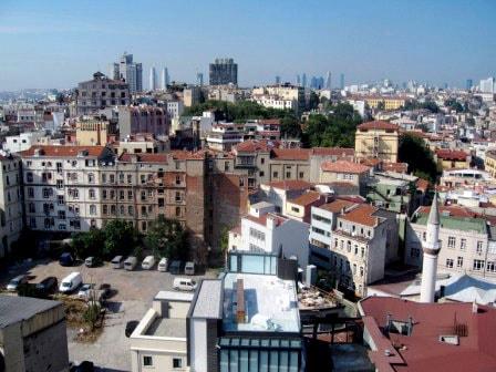 Вид на прилегающие кварталы